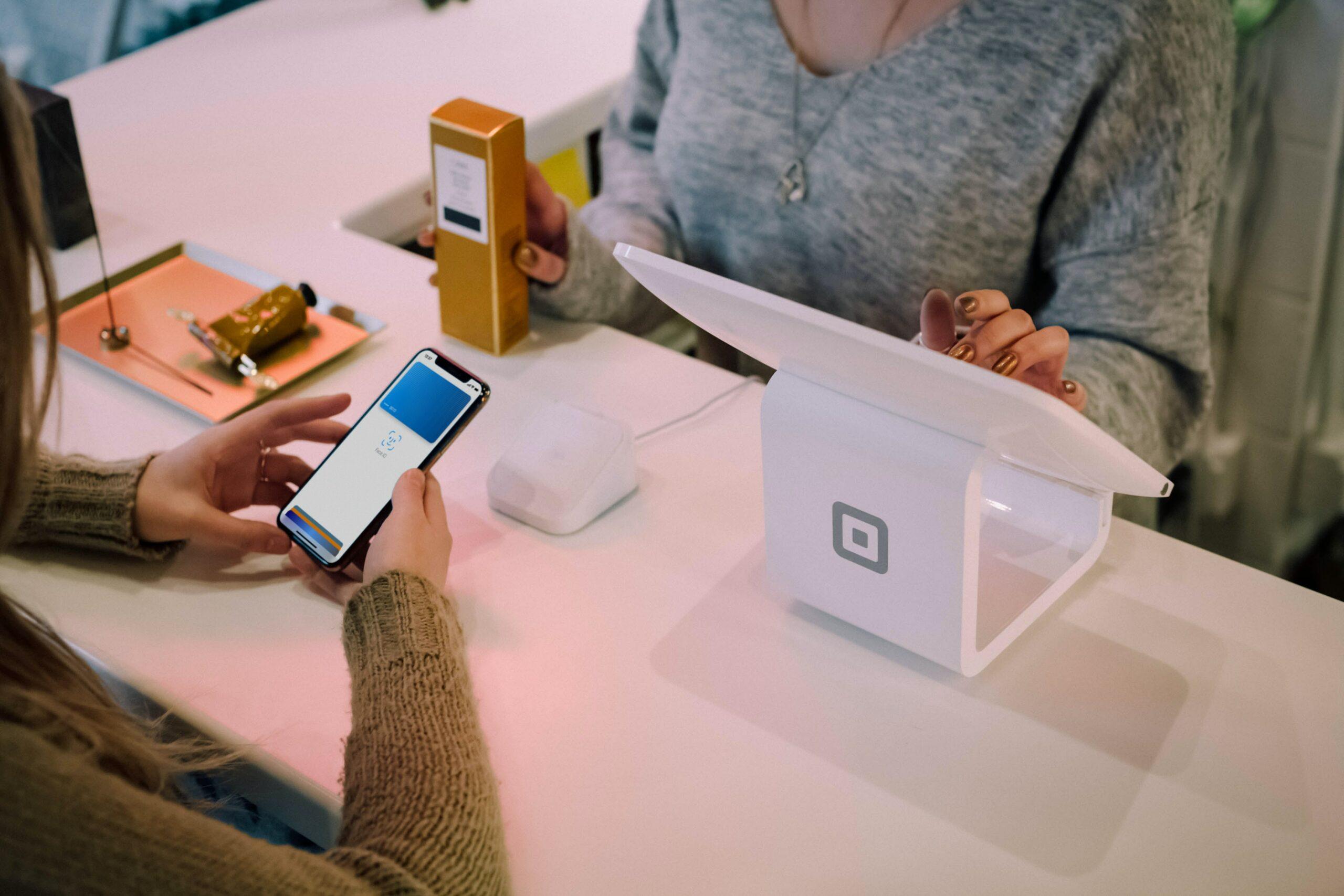 Jakie są opłaty za korzystanie z karty kredytowej ?